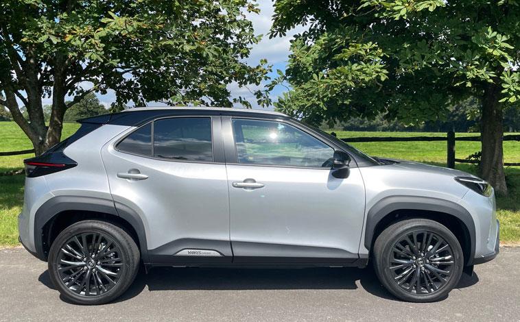 Toyota Yaris Cross side